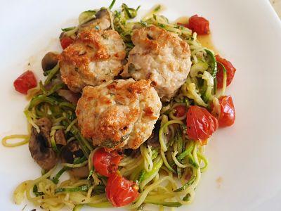 Spaguetti de calabacín con albóndigas de pavo